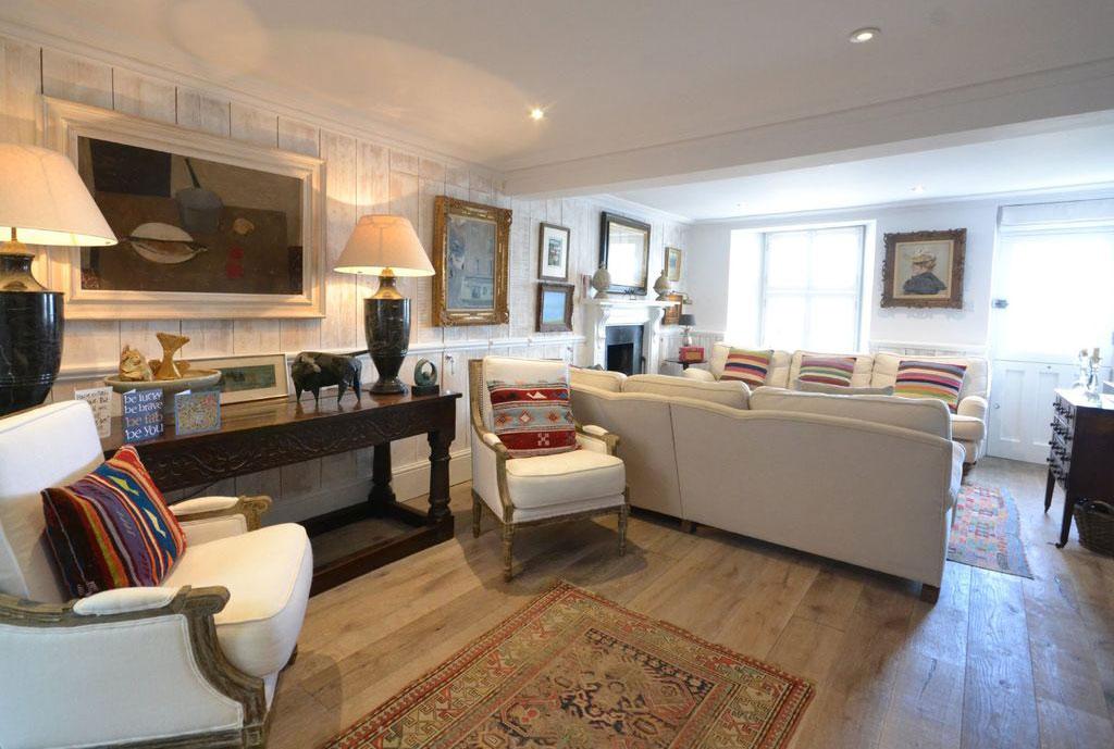 Fishermans Square Interior Livingroom2